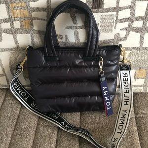 Brand New Tommy Hilfiger Padded Shoulder Bag